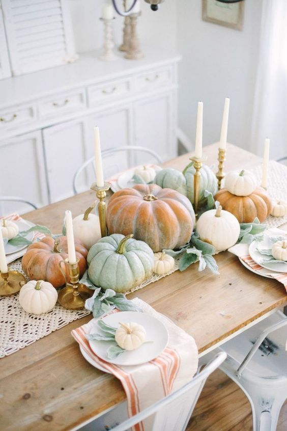 These are such good Thanksgiving table setting ideas! I'm so glad I found these amazing Thanksgiving decoration ideas! Now I have some good DIY table decorations to try out! #joyfullygrowingblog #thanksgiving #thanksgivingtable #thanksgivingdecor