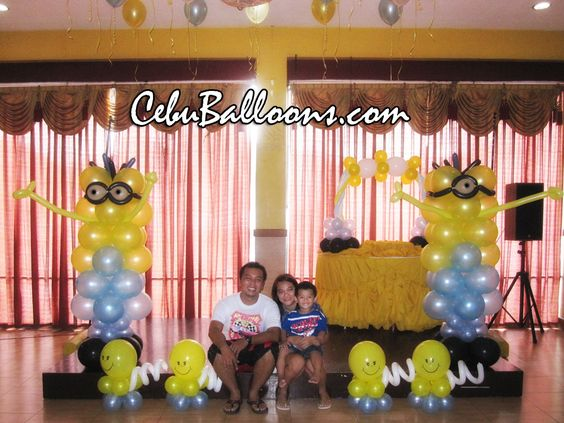 Minions birthday party ideas minions balloon decoration for Balloon decoration packages