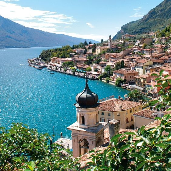 Lago di Garda, Sirmione, Italy.