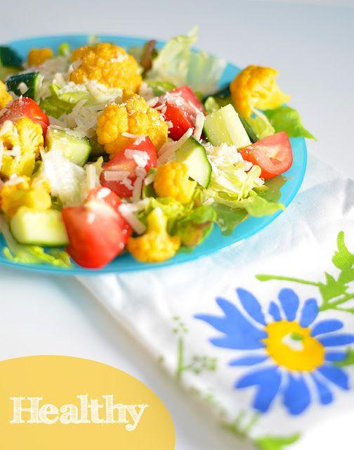 Salat mit Blumenkohl und Parmesan mit einer Arganöl-Passionsfrucht-Vinaigrette