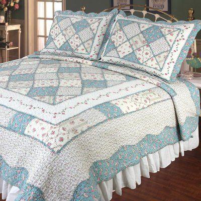 August Grove Calton Beige /& Blue Quilt