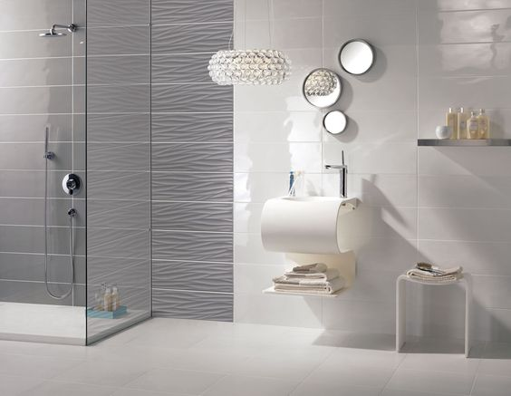 Carrelage mural gris design salle de bains flavia espace aubade salle de bain pinterest for Peinture carrelage mural salle de bains