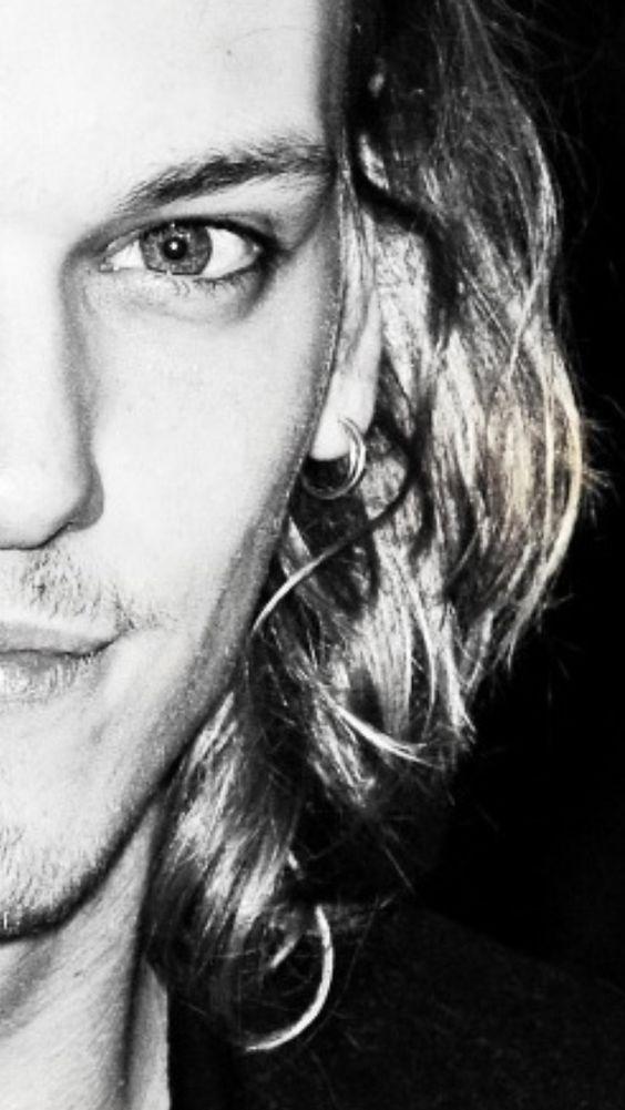 Eyes of a saint or a sinner?