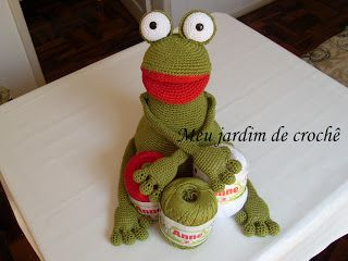 Meu jardim de crochê: Benito, o sapo (quase bonito) de crochê