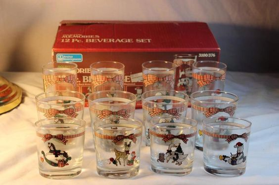Vintage Anchor Hocking HOLIDAY MEMORIES 12 pc Beverage Set Glass Rocks Christmas