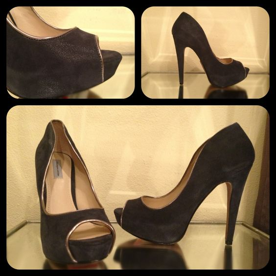 Shoe of the Day: Classiques Entier - My BF picked up these black, bronze trimmed peep-toe pumps for me @NordstromsRack - I love the sexy shape they have!!  What do u think? #shoe #shoes #shoeaday #shoeoftheday #shoeofthedayisback #nordstroms #nordstromsrack #classiquesentier #heel #heels #heeloftheday #heelsoftheday #pump #pumps #pumpsoftheday #black #blackheels #peeptoe #bf #love #gift #steal #steals #stealoftheday #stealsinheels