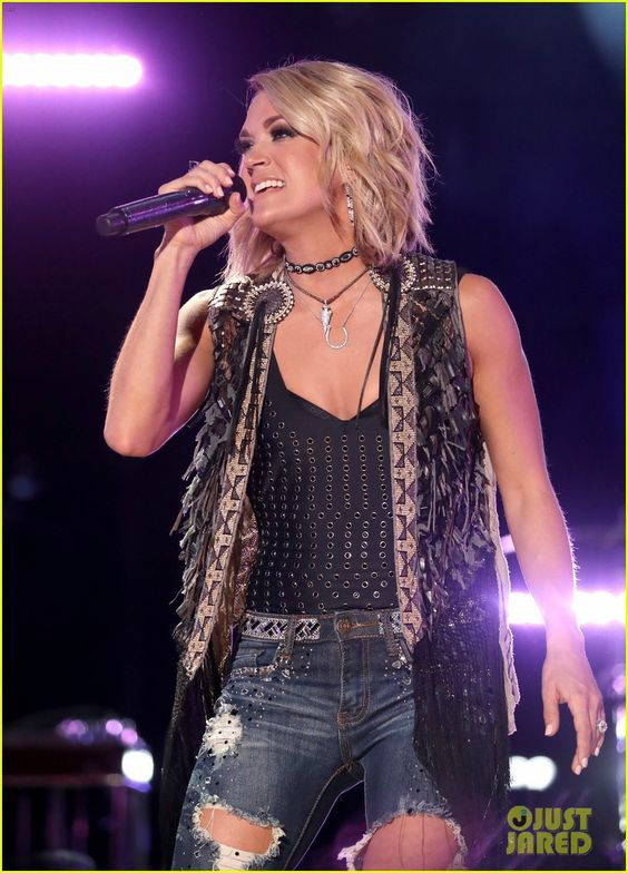 Carrie Underwood & Sam Hunt Rock CMA Music Festival 2016   carrie underwood cma festival perform 18 - Photo