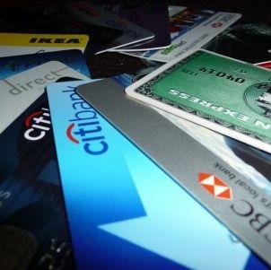 http://www.finanzasparamortales.es/por-que-usar-tarjeta-de-debito/ ¿Por qué usar tarjeta de débito?