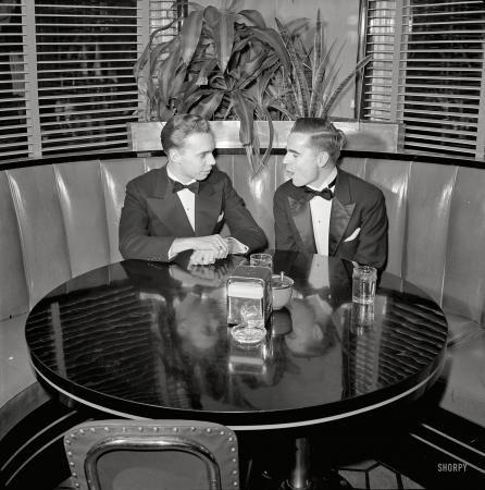 "December 1941. ""Hot Shoppes restaurant, Washington, D.C."""