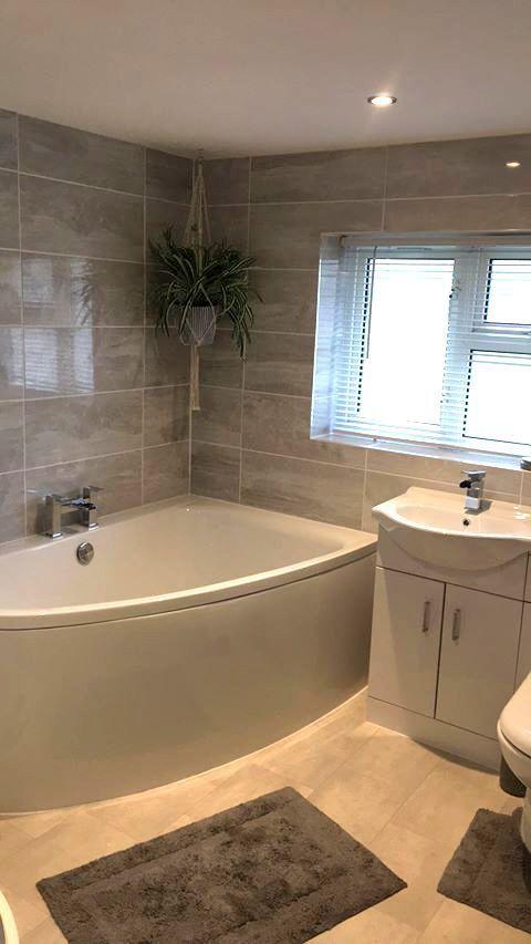 Corner Bath Batcrnr004rhwp Bath Mixer Tap Tapb032b Toilet Basin Unit Fur1050vwc Basin Mix In 2020 Corner Bath Bathroom Design Luxury Luxury Master Bathrooms