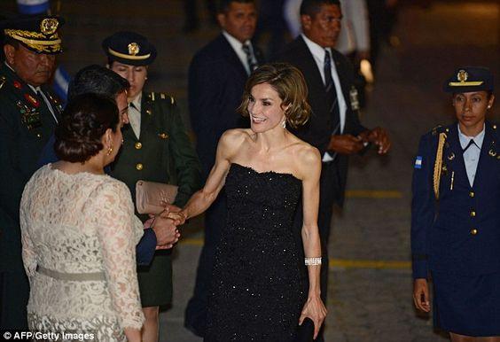 Doña Letizia es recibida por la Señora Ana Rosalinda García Carías, Primera Dama de Honduras previo a la cena de gala ofrecida en su honor en la Casa Presidencial, Tegucigalpa, Honduras. 25.05.2015.