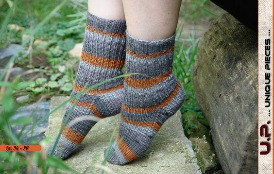 """Strümpfe - Socken / Gr. 36-38 / Serie: """"gray"""" - ein Designerstück von unique-pieces bei DaWanda   ---  gestrickt, Strümpfe, Socken, Schals, Mützen, Pullover, Poncho"""