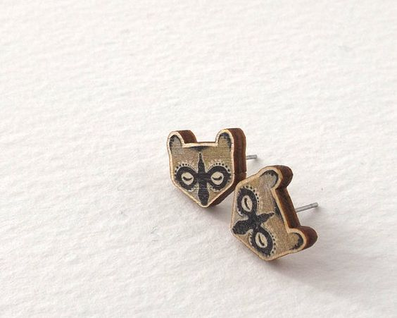 Really awesome Etsy listing at https://www.etsy.com/pt/listing/212114380/wooden-sleeping-raccoon-earrings-studs