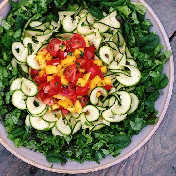 Last big salad bowl of the year!  Was a fairly simple mix: 1 head red leaf lettuce, about three cups spinach, 3 medium zucchinis, 1/2 large ...