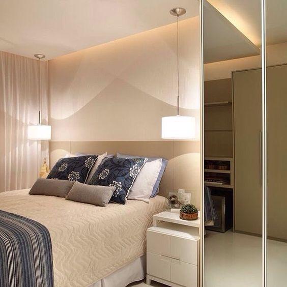 Inspiração | Quarto de casal para apartamentos pequenos. Amamos!   Reprodução/Pinterest