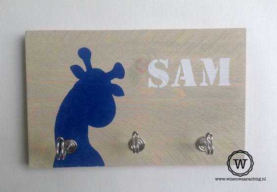 #kapstok #giraf en #naam, leuk voor de #babykamer.