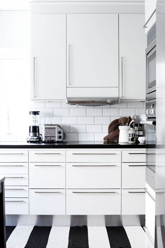 Love The Smooth Surface On The Cupboards No Creases To
