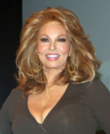 Raquel welch, Lincoln and In new york on Pinterest