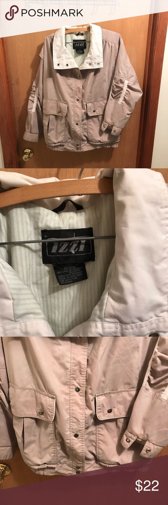 Izzi Jacket Tan And Creme Snap Down Jacket Size M Green And White Lining 2 Large Front Snap Pockets Elastic At Bottom Of Clothes Design Coat Fashion Design [ 1692 x 564 Pixel ]
