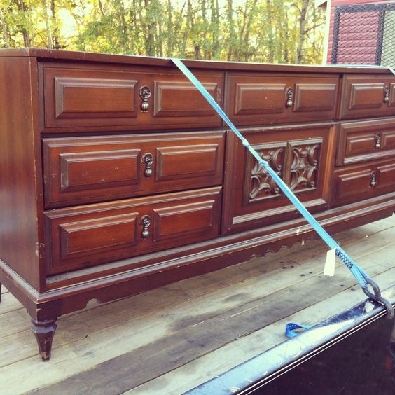 Chalkpaint1 How To 7 Easy Steps To Refinishing Old Furniture Without Sanding Using Eco Friendly
