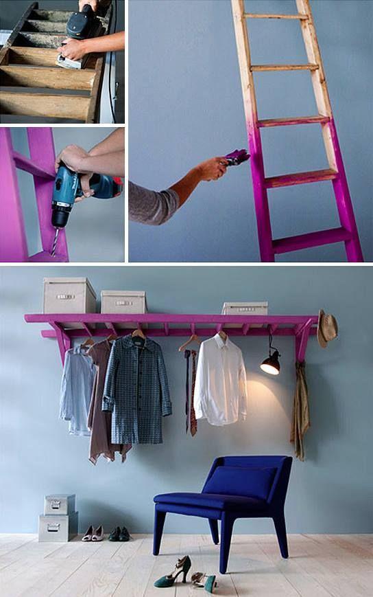 Une vieille échelle en bois transformée en support mural pour les vêtements :)