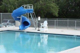 Public swimming pools in fredericksburg tx town pool lady bird johnson municipal park pool for Dixon park swimming pool fredericksburg va