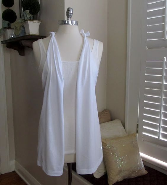 No Sew T-Shirt Vest! Clever...thanks to my coworker for showing me this cute idea.