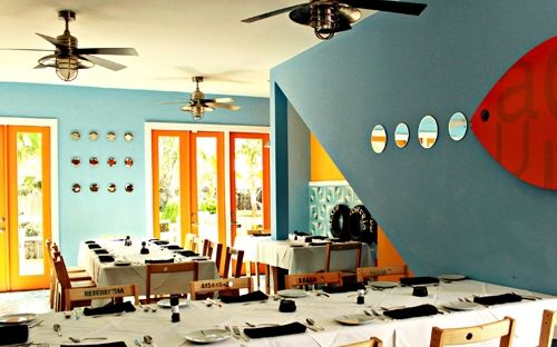 At La Fisheria, chef Aquiles Chavez—best known for his appearances on Latin American cooking shows and reality programs—focuses on coastal Veracruz cuisine. The crowded Heights-area restaurant has a bubbly, fun atmosphere, a perfect fit with both Chavez's personality and his food.