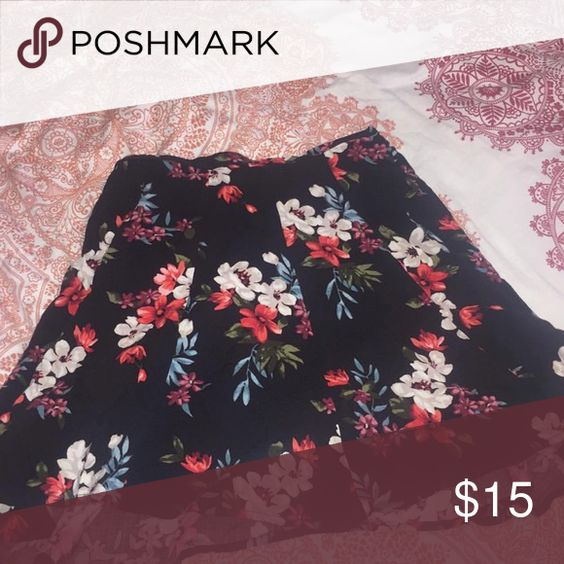 Hollister  skirt Only worn once! Skirts Mini