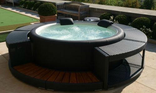 insulating inflatable hot tub
