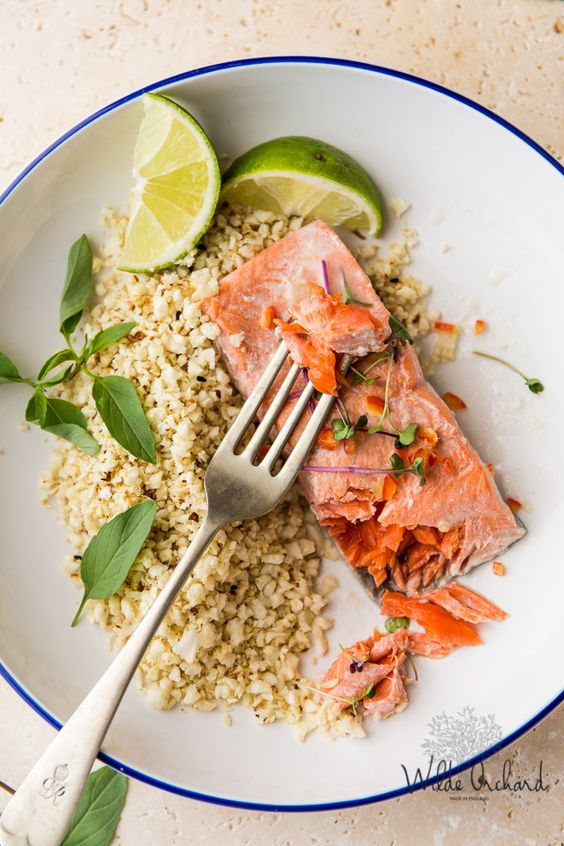 Thai Poached Salmon With Cauliflower Rice. | A quick and clean eating recipe that's ready in 30 minutes. | www.wildeorchard.co.uk: