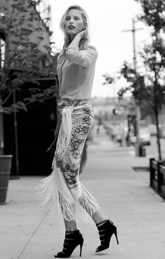 Vogue Espana - Los Siete Dias de Karolina (Model: Karolina Kurkova. Photographer: Sofia Malamute. October 2014)