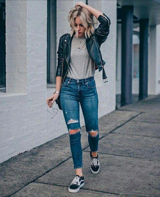 Gaya Pakaian Wanita High Waisted Jeans