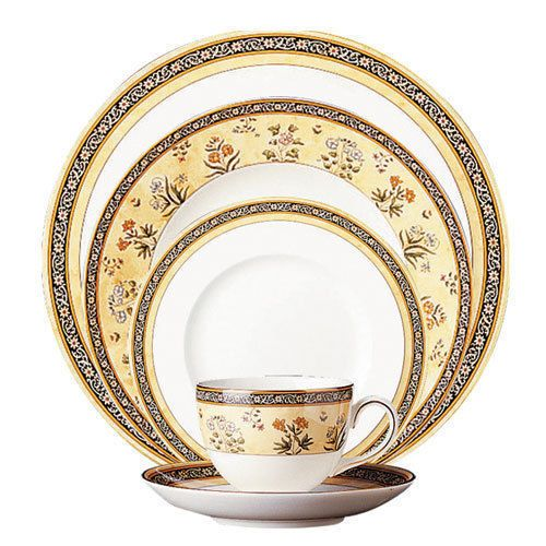 Wedgwood India 20pc China Set Service For 4 Dinnerware