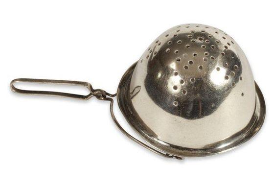Basket-Shaped Tea Strainer