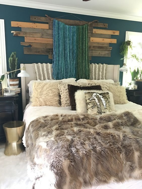 Small bedroom decorating ideas with faux fur, pillows ...