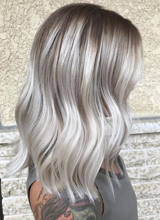 Try A Dramatic Silver Platinum Blonde Hairstyle Ideas For Autumn