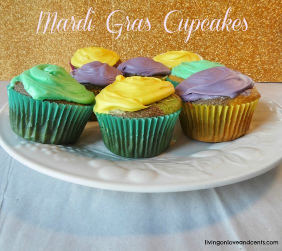 mardi gras cupcakes2