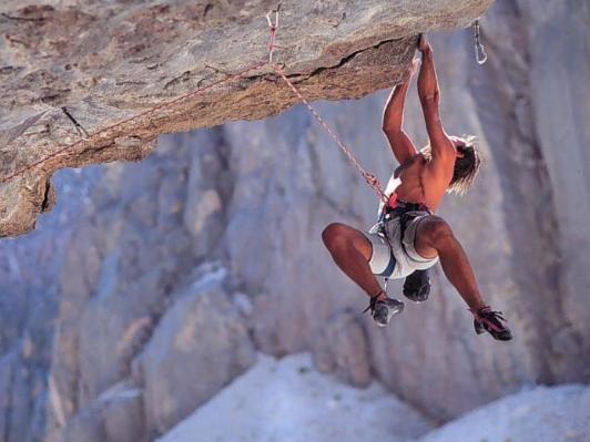 Rocío solano riesgo Por último, me he centrado en los deportes de aventura porque me fascinan y a parte me transmiten una sensación de liberación.