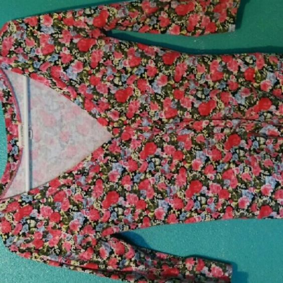 Zenana Outfitters Floral Cardigan Size Medium - wears like a Small  Like new - beautiful design Zenana Outfitters Sweaters Cardigans