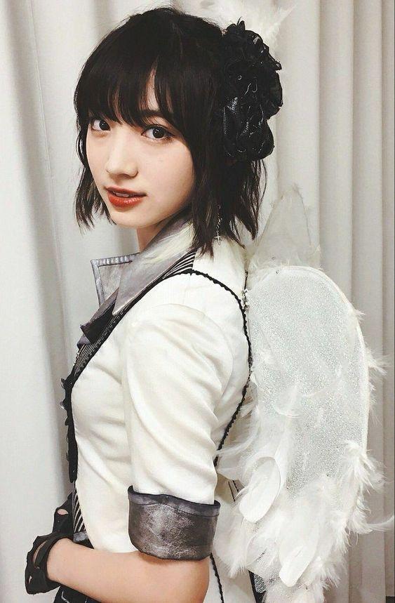 天使の衣装を着た太田夢莉