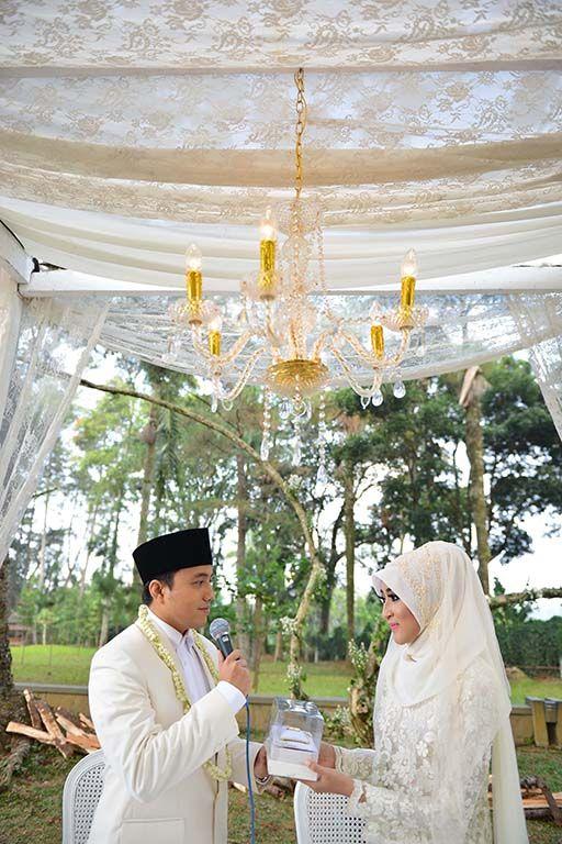 Outdoor Wedding At Gedong Putih Ala Anindya And Aiken Owlsome