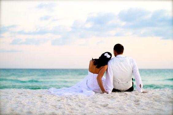love this shot! romantic destin beach wedding