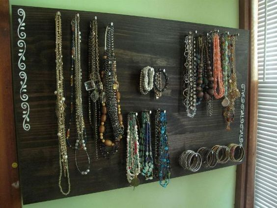 DIY Jewelry Board. Doing this!