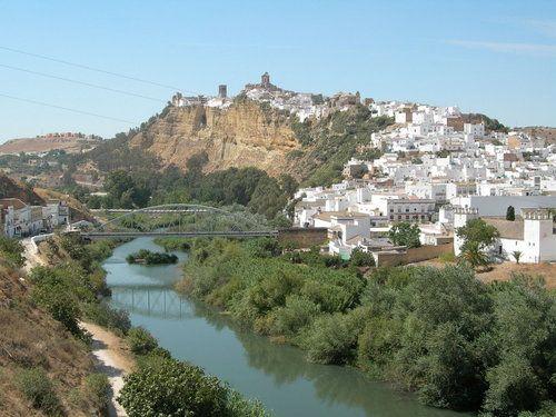 Estampa de Arcos de la Frontera con el río Guadalete