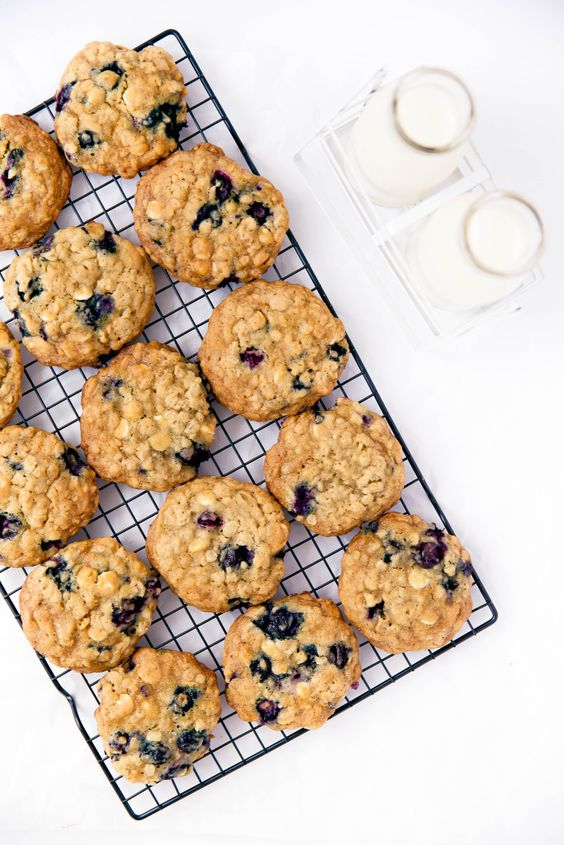 Chewy oatmeal cookies, Blueberry oatmeal cookies and White chocolate ...