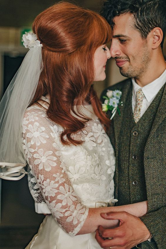 Gorgeous 60s Style Bride & Real Wedding with Kitsch Vintage Details: Amy & Martin
