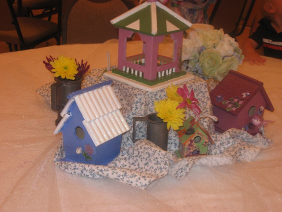 My youngest Grand's all decorated bird houses to do their table, since Granny loves birds..