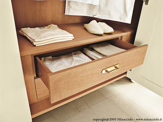 Solid wood wardrobe SEGURET English Mood Collection by Minacciolo