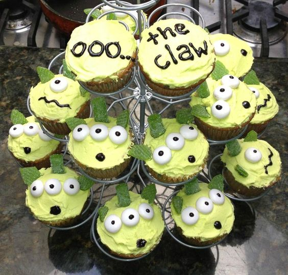 Ooo... the claw!